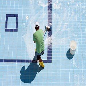 تنظيف حمامات السباحة